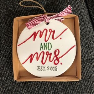 Mudpie Mr and Mrs 2018 ornament